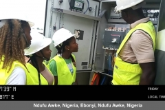 FUNAI - Mechanical group with their tutor at the 500kVA DG, being shown the Generator starting mechanisms